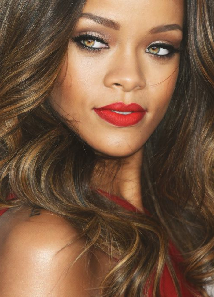 astuce-maquillage-facile-yeux-marrons-belle-rihanna