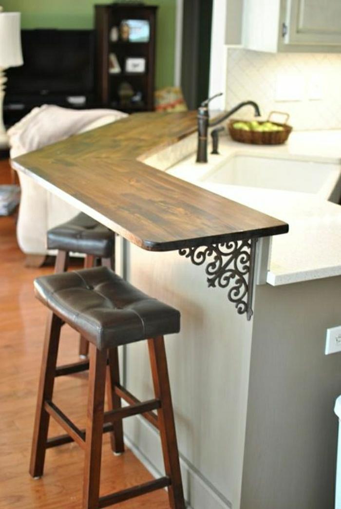 bar-cuisine-en-bois-foncé-sol-en-parquet-mur-vert-bar-moderne-meubles-bar