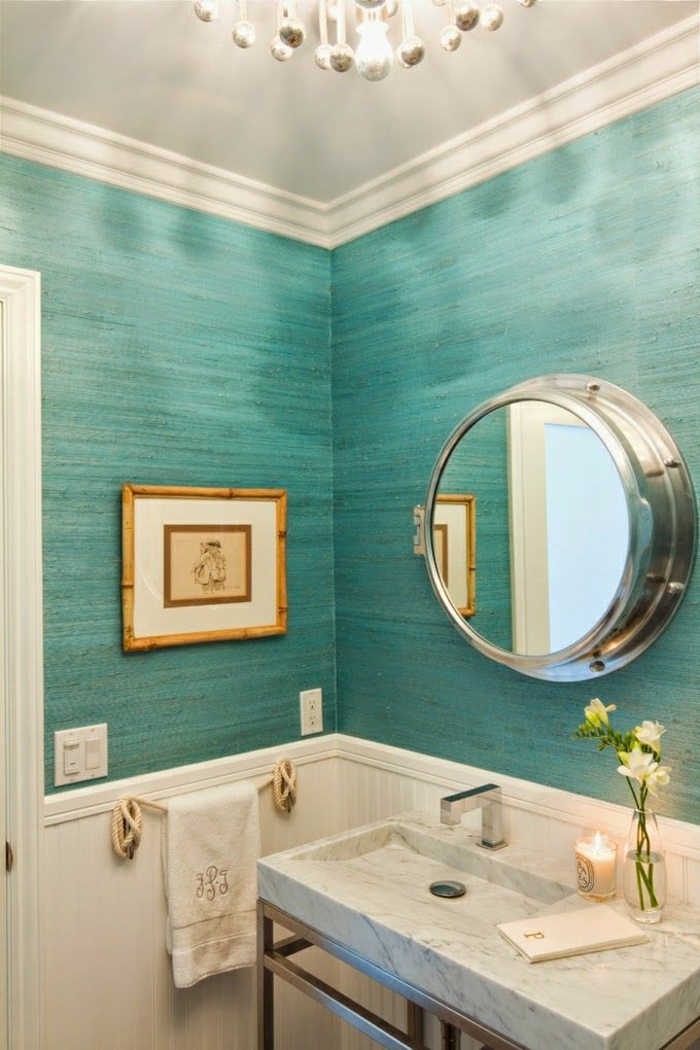 bleu-turqoise-salle-de-bain-mur-de-couleur-turqoise-vasque-en-marbre-blanc-déco-salle-de-bain