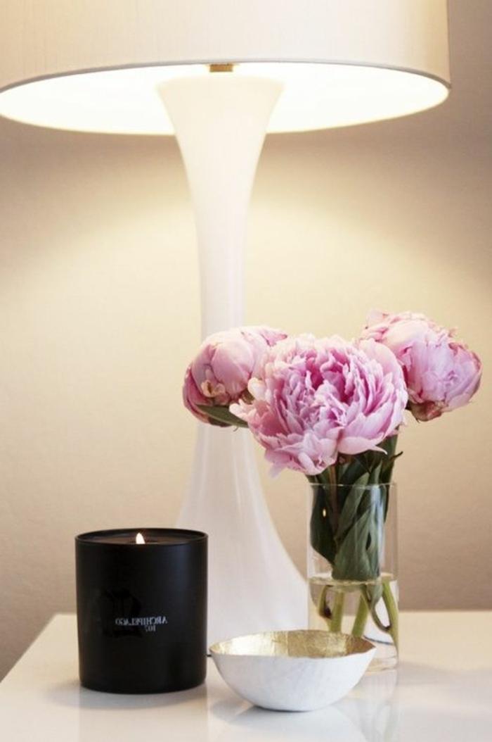 bouquet-de-pivoine-idées-décoration-table-de-chevet