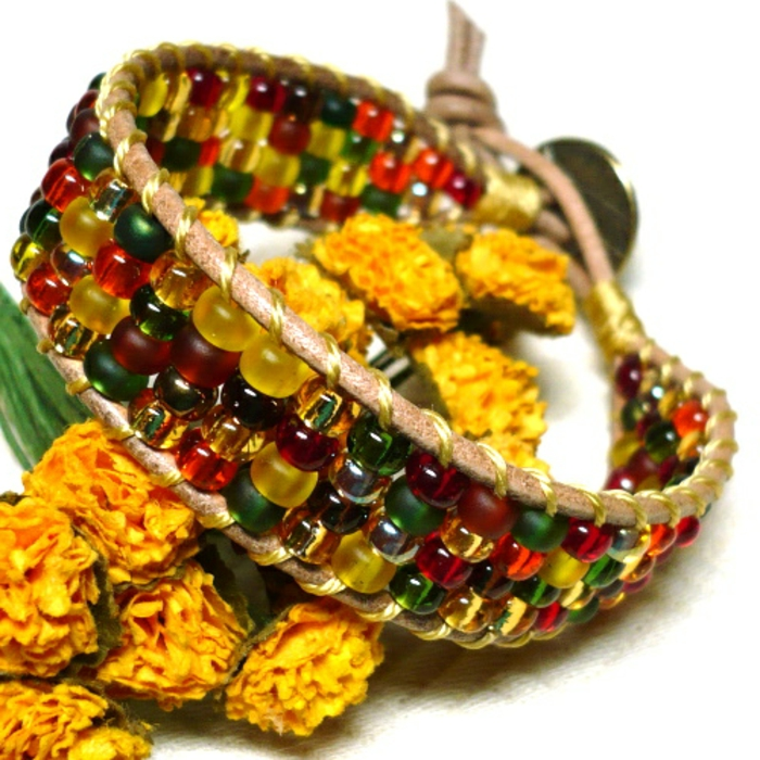 bracelet-manchette-cuir-ficelle-et-fausses-pierres