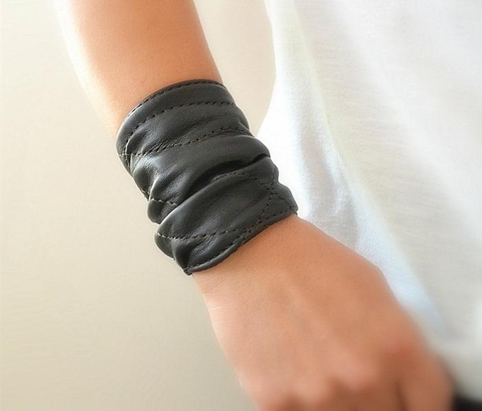 bracelet-manchette-cuir-noir