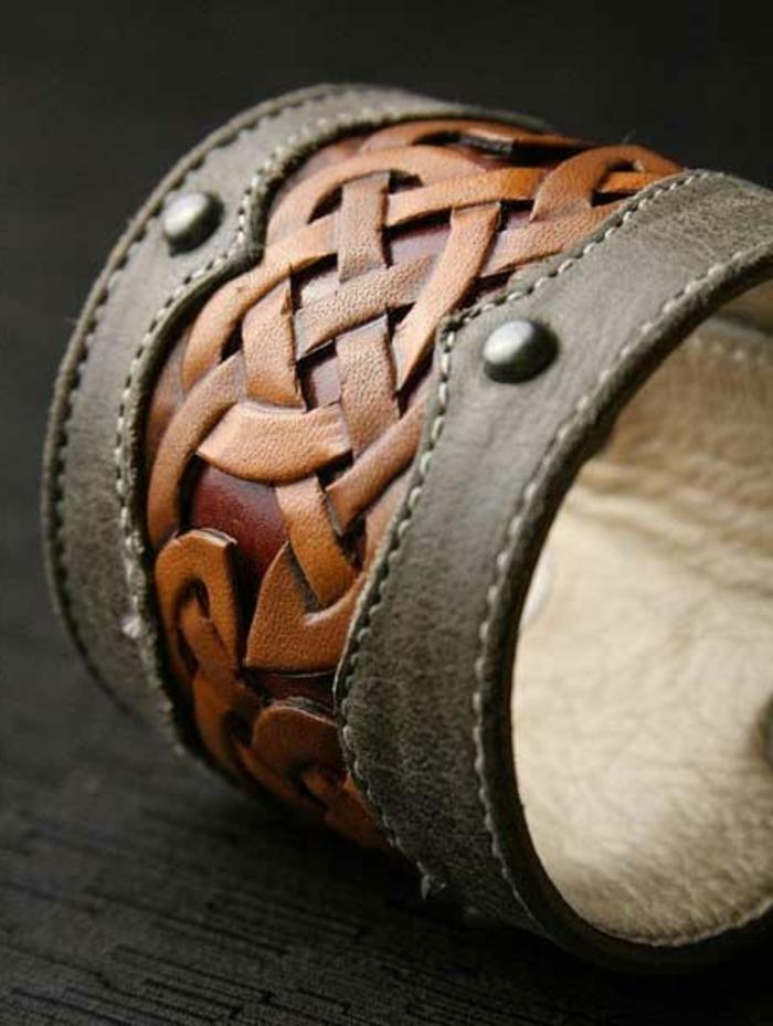 bracelet-manchette-en-cuir-bicolore