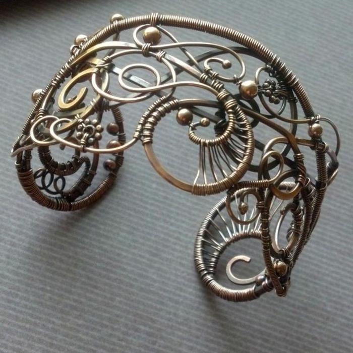 bracelet-manchette-fil-métallique-tordu