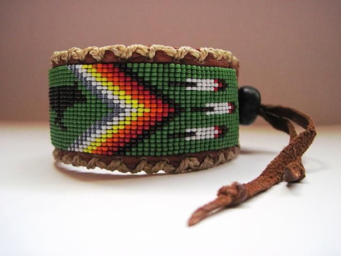 bracelet-manchette-motifs-ethniques