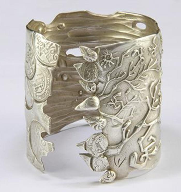 bracelet-manchette-motifs-végétaux