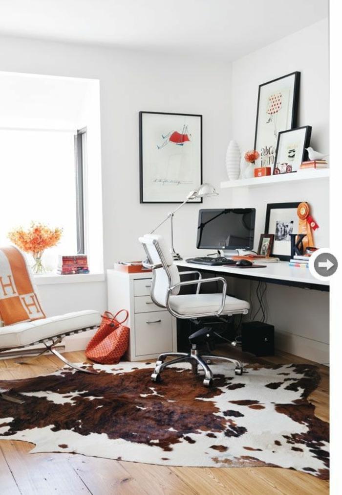 bureau-de-travail-sol-en-plancher-tapis-en-peau-de-vache-blanc-marron-peintures-murales