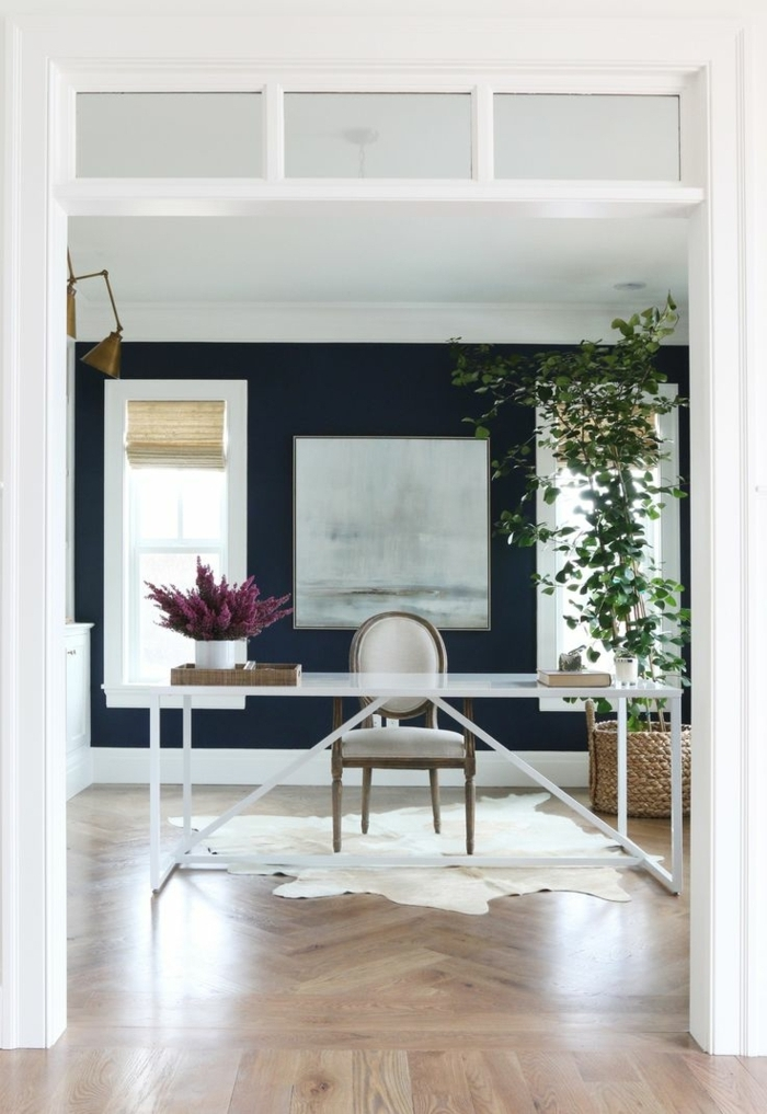 bureau-de-travail-sol-en-plancher-tapis-en-peau-de-vache-blanc-peintures-murales