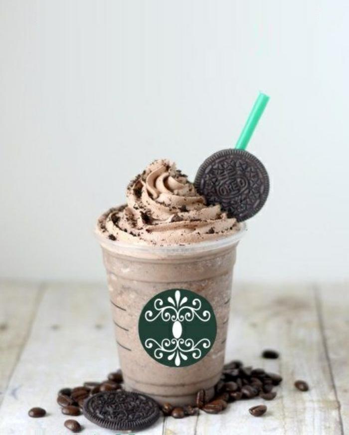 café-délicieux-boisson-chaude-chocolate-oreo