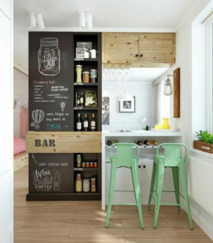 chaise-de-bar-en-fer-vert-bar-de-cuisine-blanc-parquet-en-bois-clair-salon