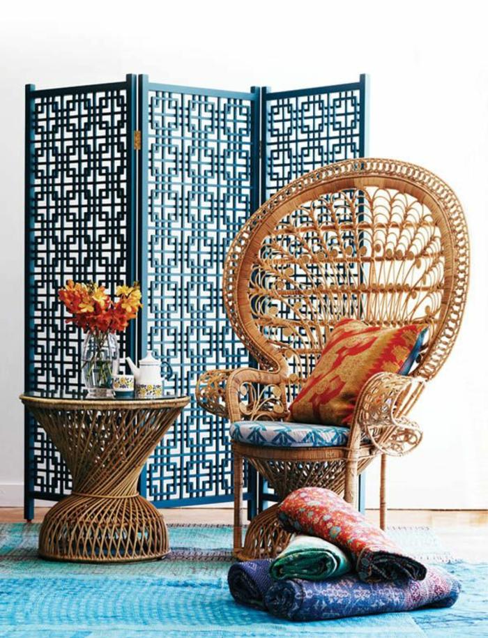 chaise-osier-meubles-tapis-coloré-chaise-en-osier-meubles-en-rotin-intérieur