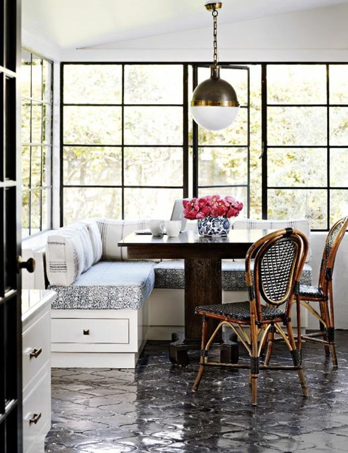 chaises-bistrot-coin-de-déjeuner-superbe