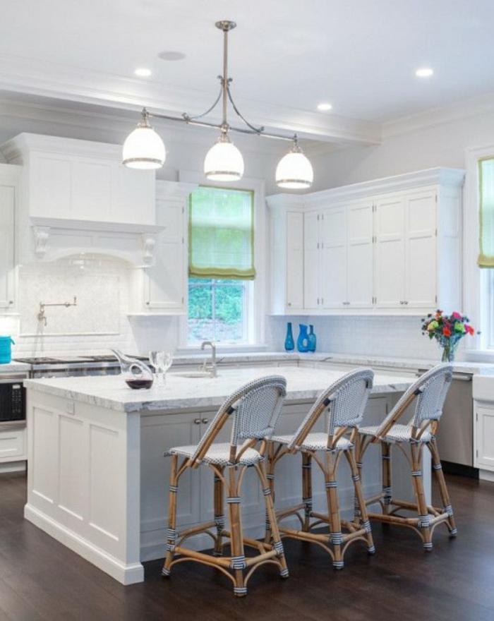 Les chaises bistrot une classique pour l 39 int rieur - Chaise cuisine blanche ...