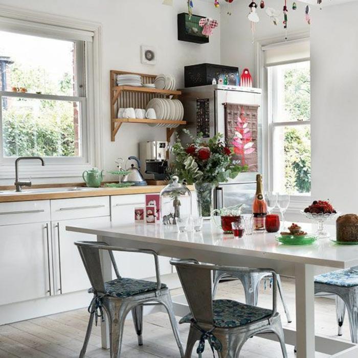chaises-bistrot-industrielles-pour-la-cuisine-moderne