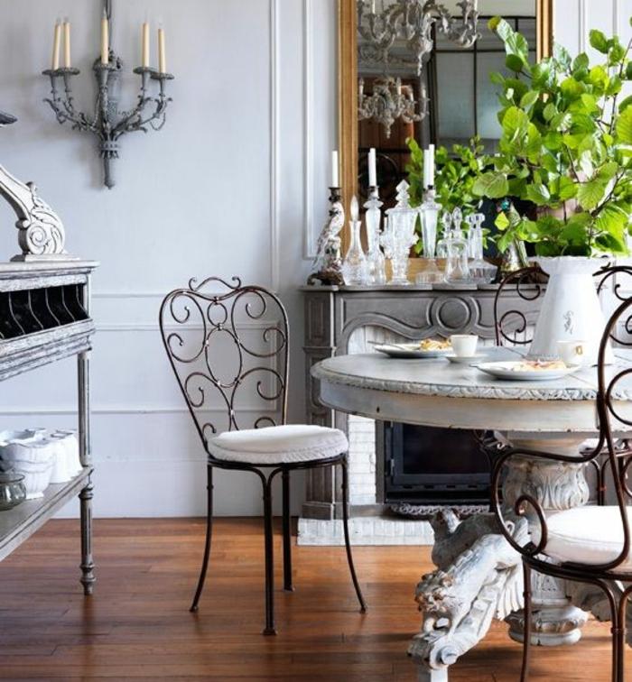 chaises-bistrot-raffinnées-coin-de-repas