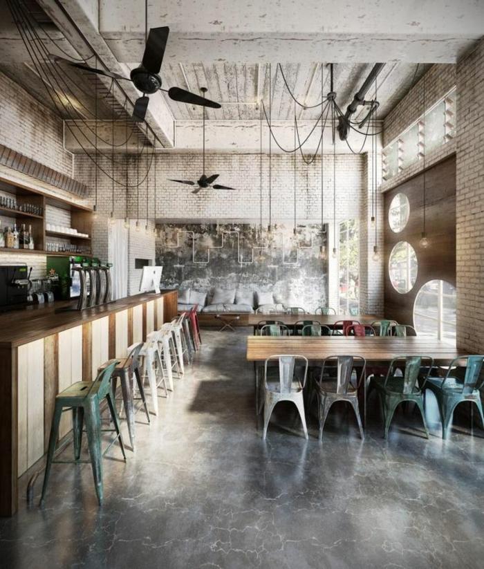 chaises-bistrot-tolix-un-café-industriel