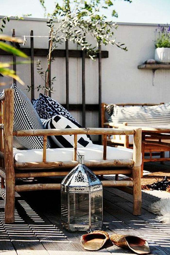 chaises-rustiques-canapés-en-bois-massif-pour-le-jardin-aménagement-rustique-jardin