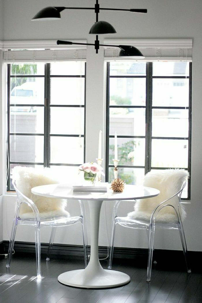 Une table tulipe pour votre int rieur moderne for Decoration fenetre sejour
