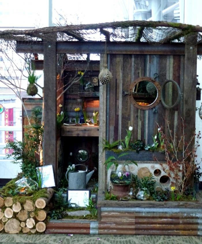 chalet-de-jardin-amenagement-extérieur-fleurs-utiles