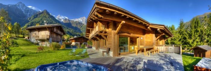 chalet-et-jardin-extérieur-courorte-montagne-piscine