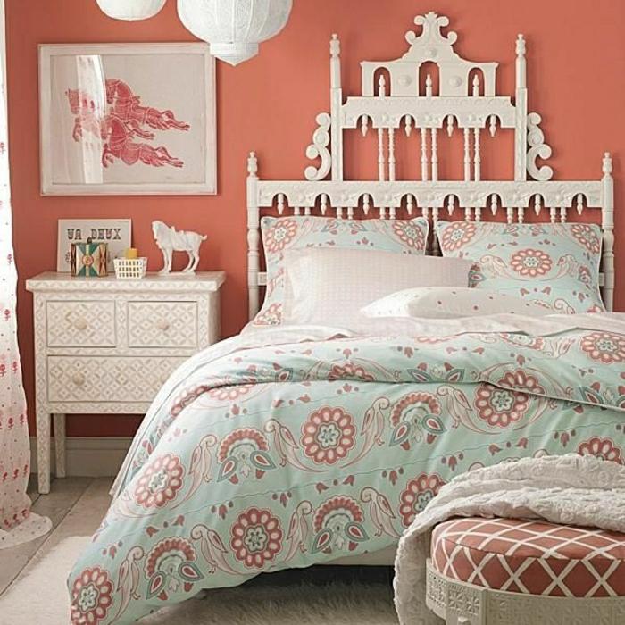 chambre-ado-fille-design-couronne-tete-de-lit-coussins