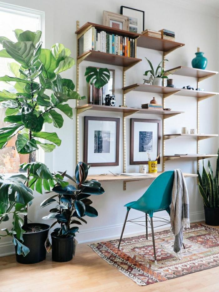 chambre-confortable-tapis-coloré-sol-en-lin-chaise-plastique-bleue-étagère-design