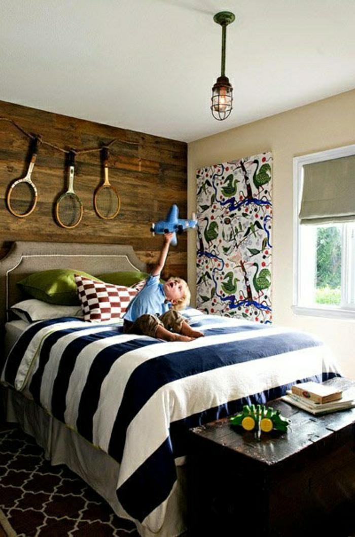 chambre-de-style-marine-idée-décoration-mer-lit-linge-de-lit-marin