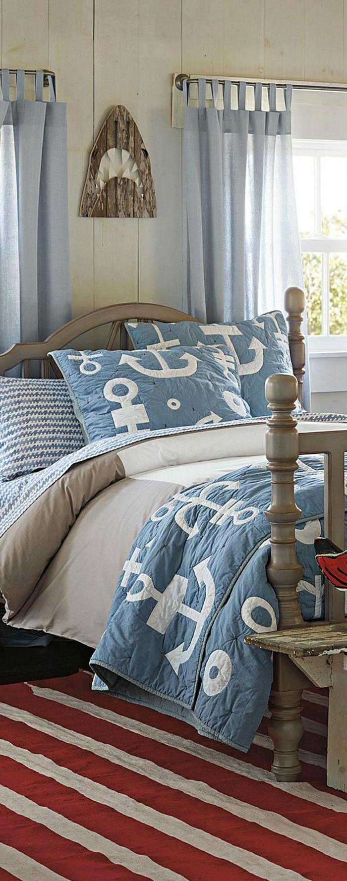 chambre-de-style-marine-idée-linge-de-lit-style-marin-deco-bord-de-mer