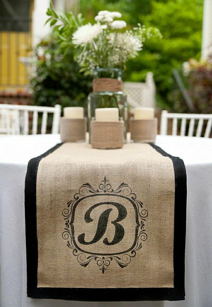 chemin-de-table-mariage-chemin-de-table-noir-beige-décoration-de-table-mariage