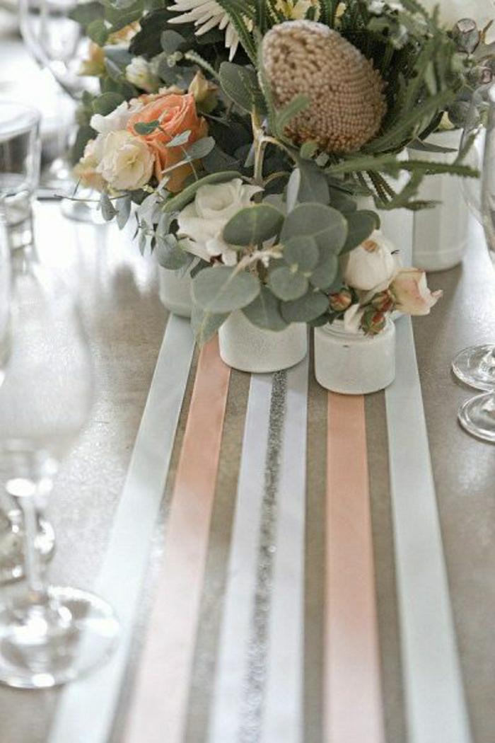 chemin-de-table-papier-table-en-bois-set-de-table-élégant-fleurs