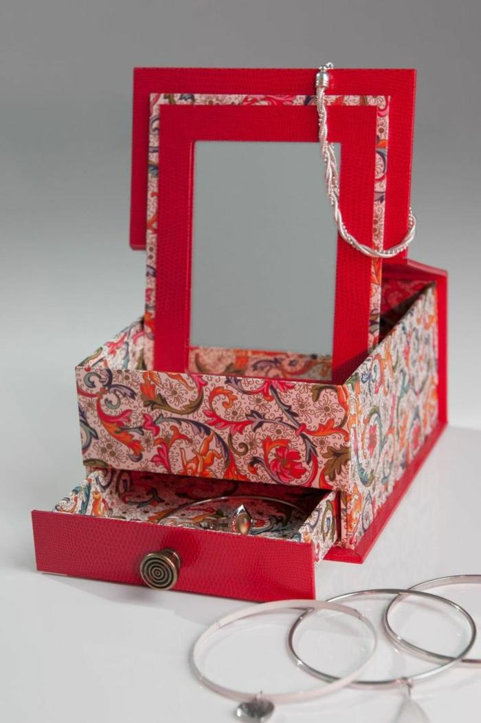 coffret-à-bijoux-pmapier-mâché-avec-miroir