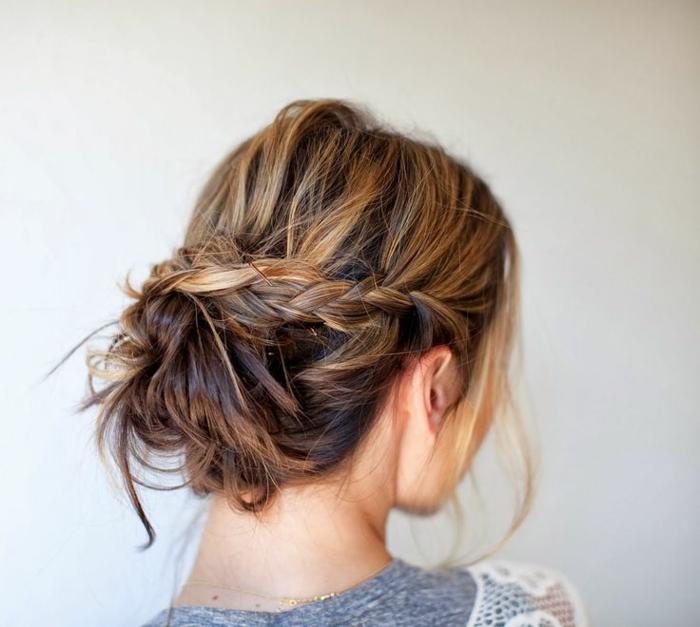 coloration-cheveux-caramel- coiffure-cheveux-mi-longs