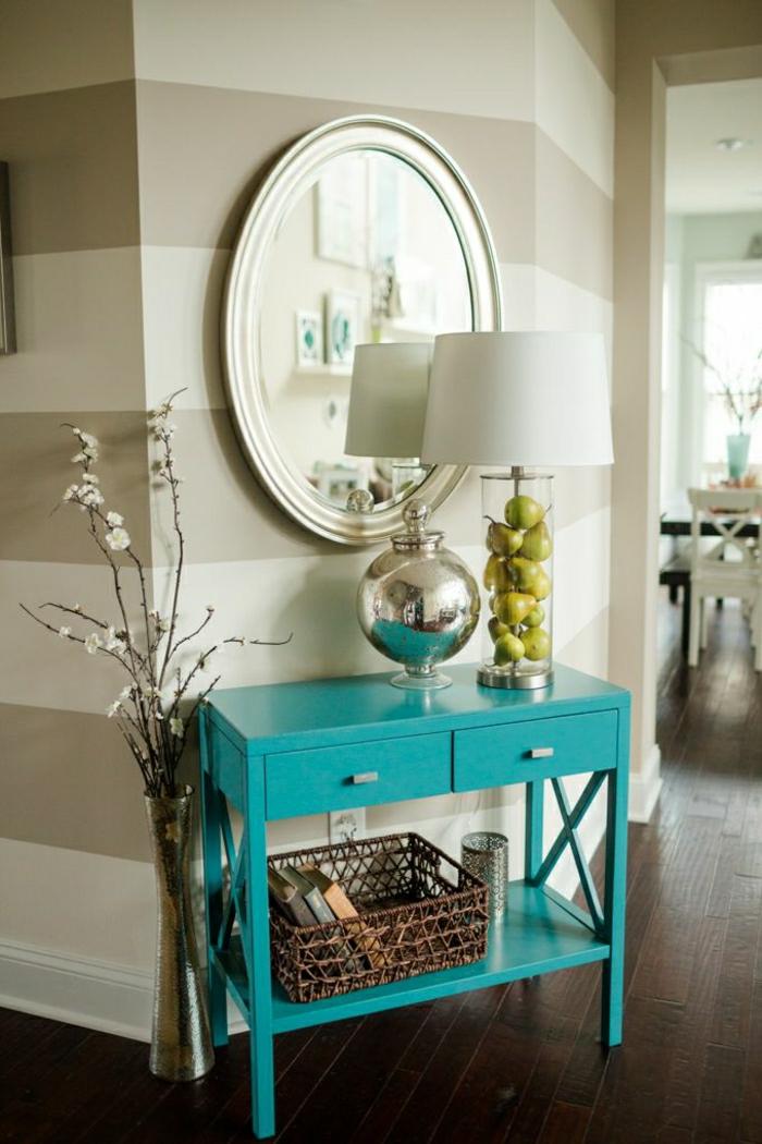 console-d-entrée-design-bleu-miroir-rond-lampe-blanche-mur-de-couleur-taupe