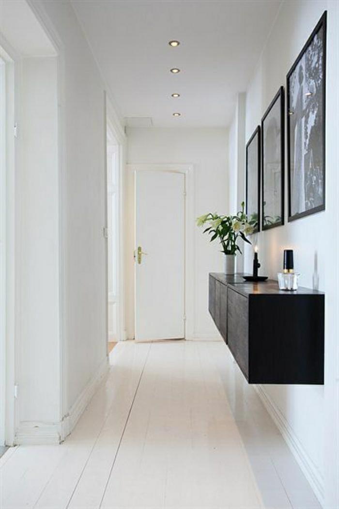 console-d-entrée-meubles-d-entrée-ikea-coulooir-blanc-en-bois-fleurs-sur-le-meuble-d-entrée