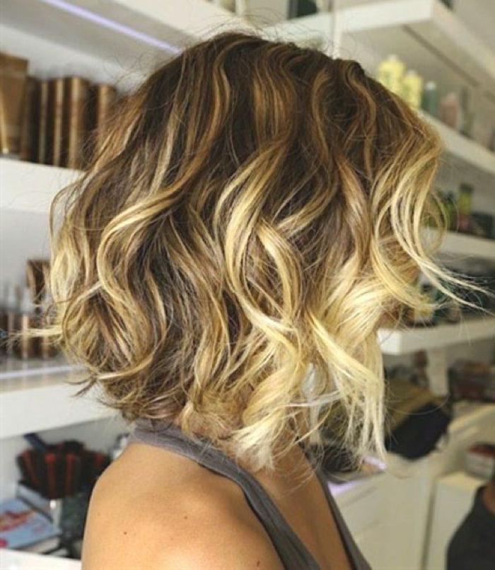 couleur-blond-foncé-cendré-ombre-cheveux-mi-longs