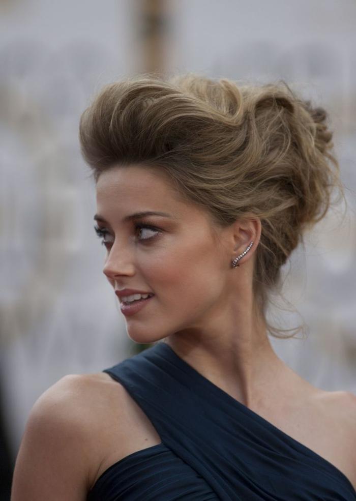 couleur-blonde-foncé-beauté-balayage-le-chignon-romantique