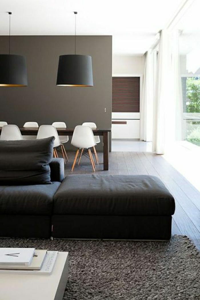 couleur-taupe-mur-taupe-intérieur-déco-maison-salon-tapis-taupe-lustre-noir