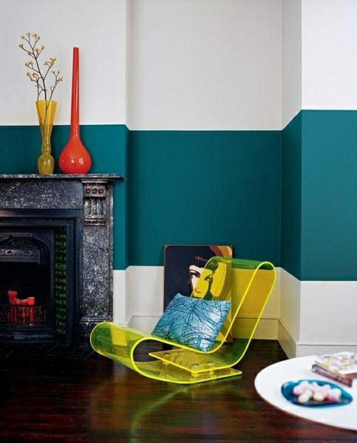 couleur-turquoise-turquoise-bleu-roi-salon-chaise-transparente-berçante-jaune
