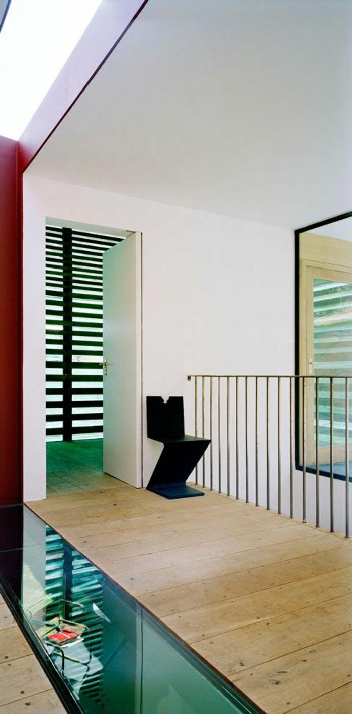 couloir-maison-avec-plancher-en-verre-plancher-transparent-idée-sol-en-verre-dans-le-couloir