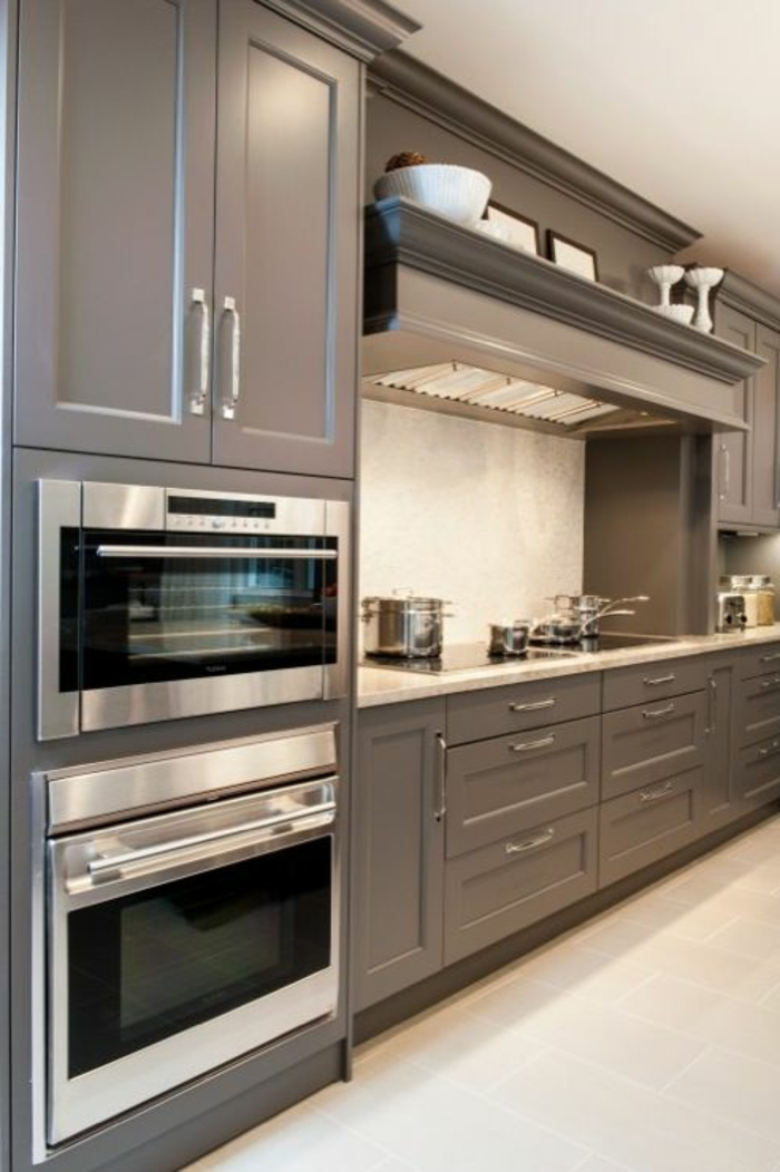 cuisine-élégante-en-bois-grise-idée-couleur-cuisine-en-bois-modele-cuisine-ikea