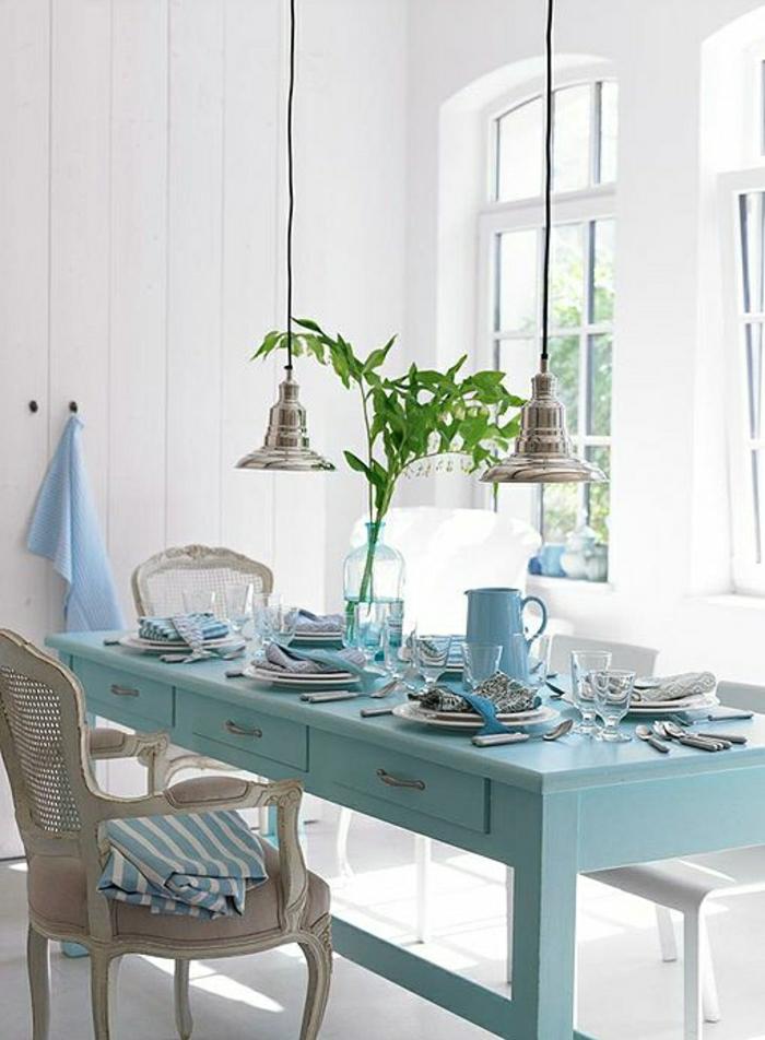 cuisine-décoration-marine-mur-blanc-marin-deco-marine-decoration-bord-de-mer-table-et-chaises-de-cuisine