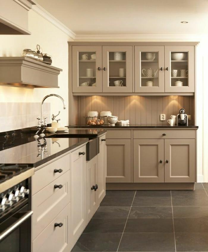 cuisine-taupe-aménagement-de-cuisine-carrelage-taupe-cuisine-laquée-meubles-taupes