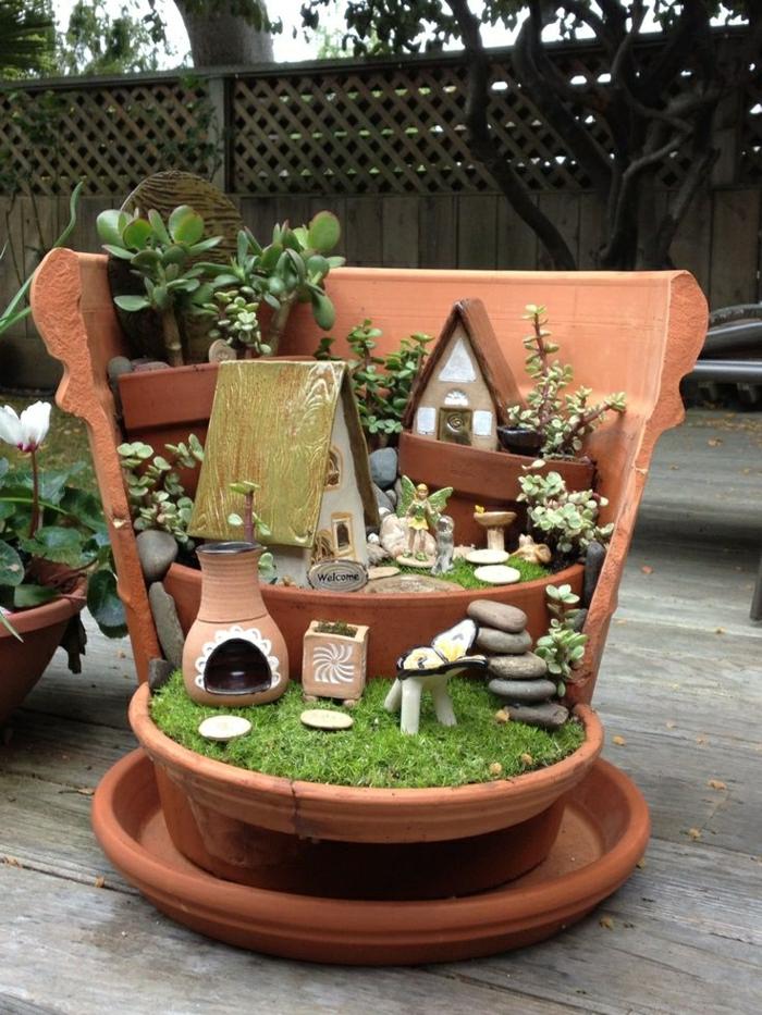 décoration-jardin-extérieur-idée-statues-de-jardin-nains-de-jardin-ranger-maison-de-nains