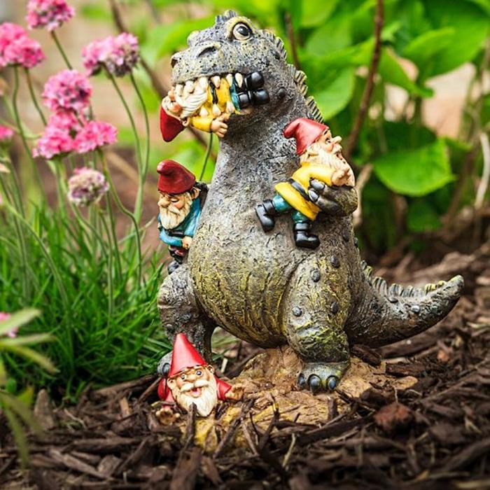 décoration-jardin-idée-statues-de-jardin-nains-de-jardin-ranger