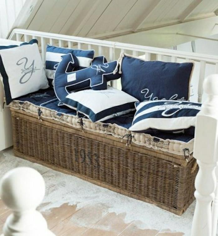 décoration-marine-idée-faire-soi-meme-deco-maison-canapé-marin-coussins-décoratifs