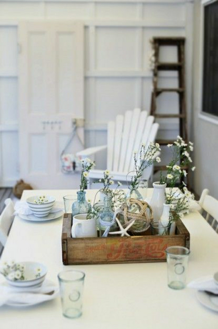 Dining room table centerpieces setting farmhouse unique for Unique dining room decor
