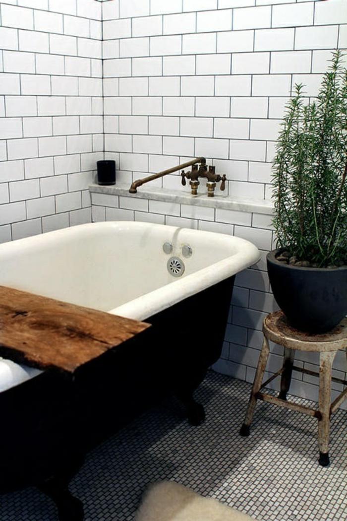 Le th me du jour est la salle de bain r tro for Design de baignoire mosaique