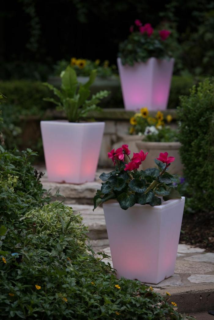 eclairage-jardin-pot-de-fleur-lumineux-beau