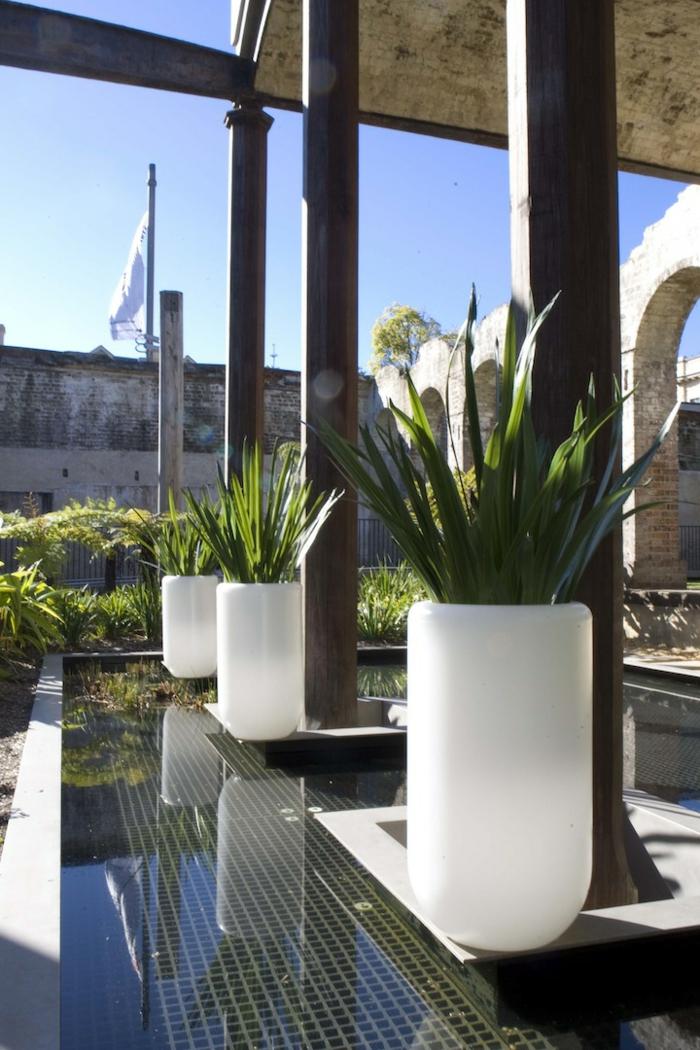 eclairage-jardin-pot-de-fleur-lumineux-blanc-jour