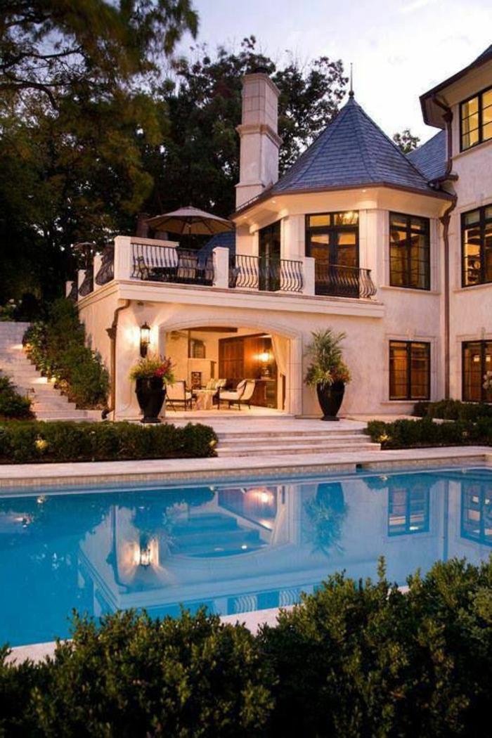 eclairer-la-maison-de-luxe-piscine-pour-votre-maison-luminaires-extérieurs